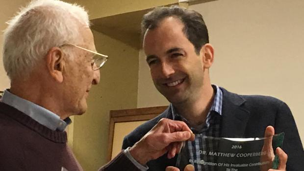 Dr Cooperberg receives award from Marin Support Group