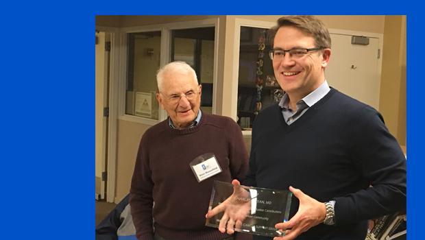 Dr Ryan receives award